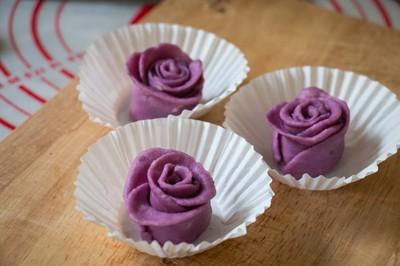 cách làm bánh khoai hấp hình hoa hồng đẹp mê ly phần 8