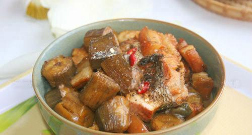 cách nấu cá kho chuối xanh ngon tuyệt phần 6