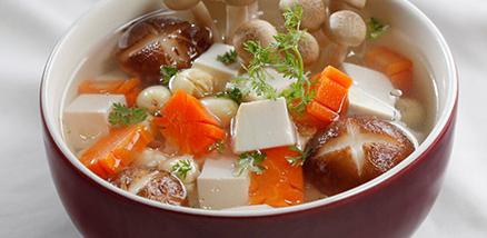 Cách làm món canh nấm hạt sen chay ngon bổ dưỡng dễ làm tại nhà