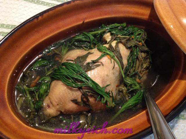 cách làm gà ác tần thuốc bắc, ngải cứu, đậu xanh, đậu đen vừa ngon vừa bổ phần 1