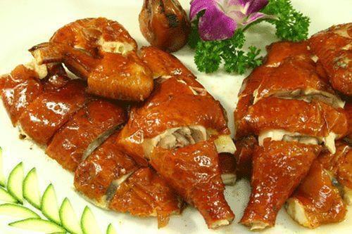 Cách làm gà quay tiêu nước dừa ngon da giòn bằng lò vi sóng mà không cần lò nướng phần 1