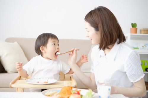 bật mí về những thực phẩm dinh dưỡng thơm ngon cho bé 7 tháng tuổi