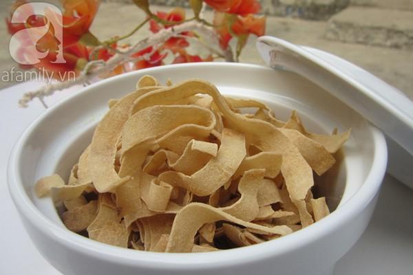 cách làm mứt dừa non sấy khô giòn ngon dẻo béo ngậy với sữa tươi