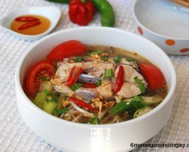 Cách nấu món canh chua cá lóc dọc mùng ngon không tanh