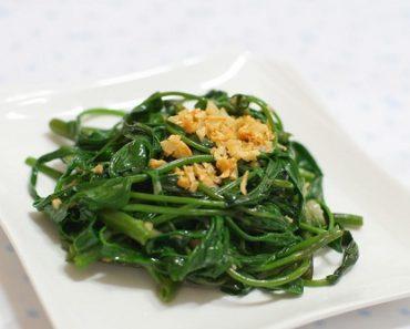 Cách làm món rau muống xào giòn ngon mà xanh mướt