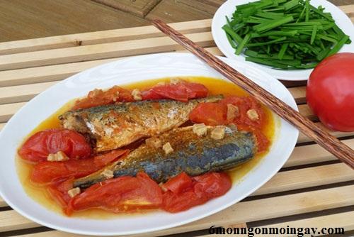 cách kho cá nục với cà chua đơn giản mà không tanh