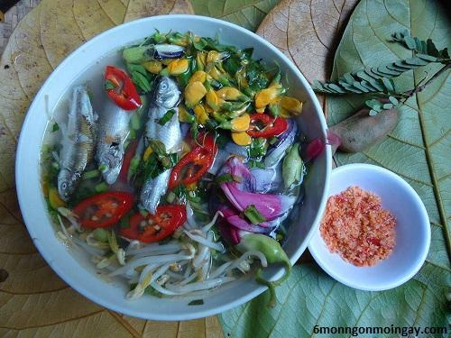 cách nấu canh chua bông điên điển cá linh ngon đúng điệu miền Nam
