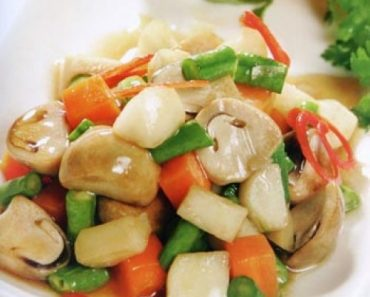 cách nấu đậu ve xào nấm và đậu hủ chiên ngon thơm