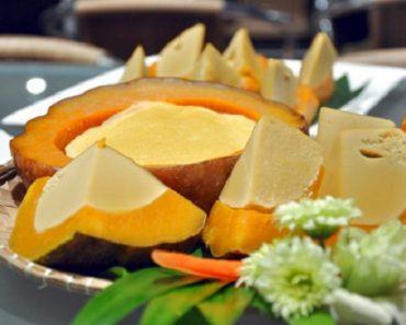 Cách làm bí ngô nhồi trứng thơm ngon hấp dẫn