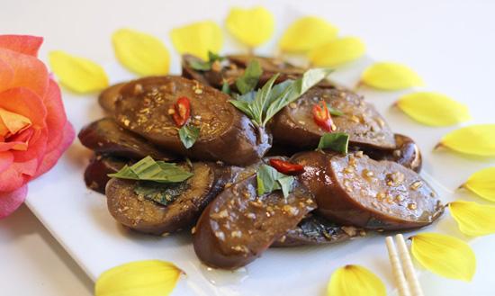 Cách làm cà tím xào tỏi món chay cho ngày mới