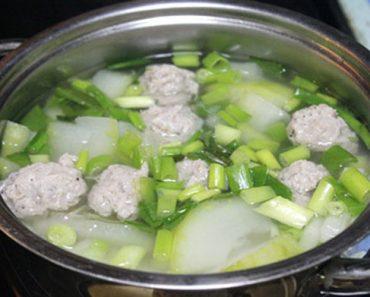 Cách làm canh bí nấu giò sống mang hương vị ngọt ngào