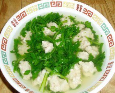 Cách làm canh cải cúc nấu thịt băm ngọt lịm tự nhiên
