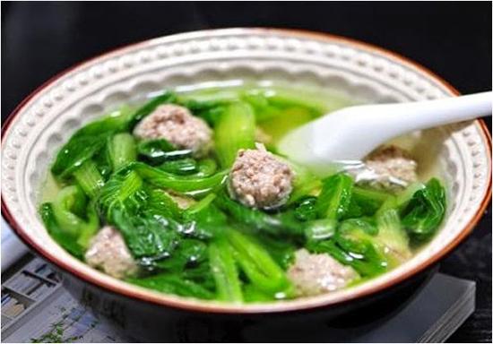 Cách làm canh cải xanh nấu thịt băm ngọt ngào như tình mẹ