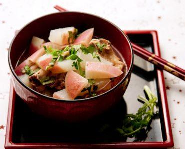 Cách làm củ cải hầm thịt gà mang vị ngọt tự nhiên