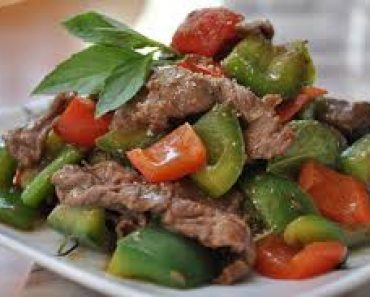 Cách làm món thịt bò xào ớt chuông đơn giản mà ngon