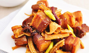 Cách làm món thịt kho củ cải khô lạ mà ngon