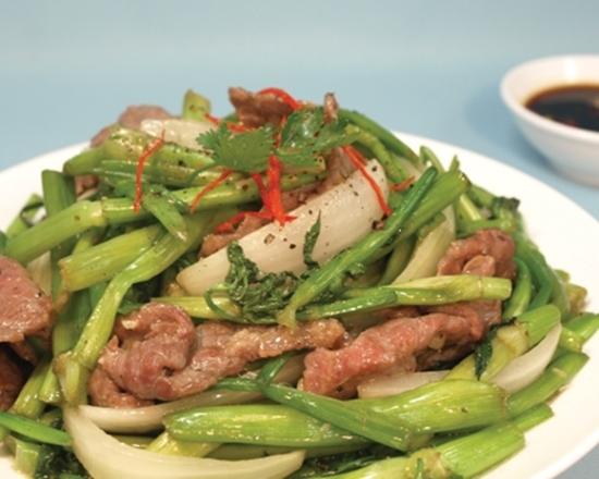 Cách làm rau cần xào thịt bò thơm ngon cực chuẩn vị