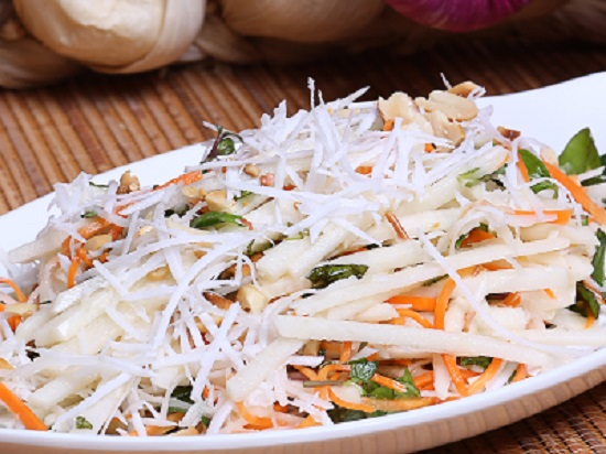 Cách làm salad củ đậu cực thanh đạm tinh tế cho ngày hè