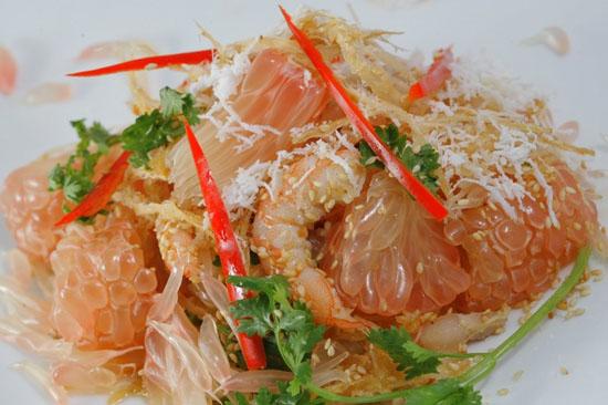 Cách làm salad tôm bưởi kiểu Thái cực ngon chiêu đãi cả nhà