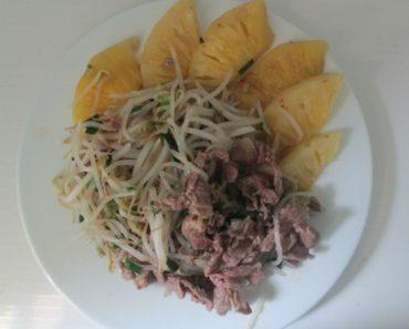 Cách làm thịt bò xào giá đỗ và dứa chua ngọt đậm đà cực hài hòa