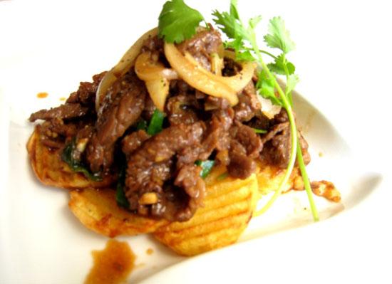Cách làm thịt bò xào khoai tây đơn giản cực hấp dẫn
