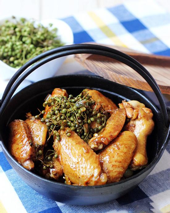 Cách làm thịt gà xào tiêu cay nồng cực ngọt thịt