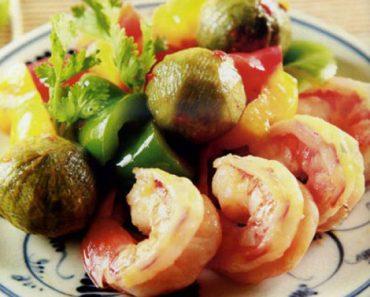 Cách làm tôm xào sấu chua đơn giản cực lạ miệng