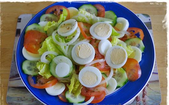 Cách làm xà lách trộn dầu dấm cho thực đơn ăn kiêng