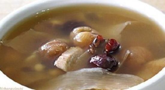 Cách nấu chè hạt dẻ táo đỏ và long nhãn ngon ngọt khó cưỡng lại