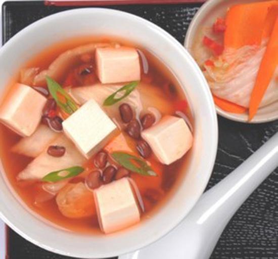 Cách nấu súp đậu đỏ đậu hũ non cực mát cho ngày hè
