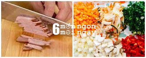 Cách làm cơm viên xúc xích chiên giòn rụm thử là mê - hình 2