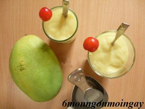 Cách làm sinh tố xoài sữa tươi ngon đơn giản cho bé giải nhiệt ngày hè