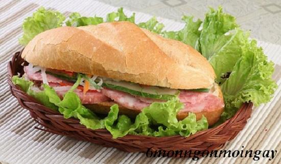 Cách làm bánh mỳ kẹp thịt heo thái lát mỏng ngon đúng chuẩn Sài Gòn