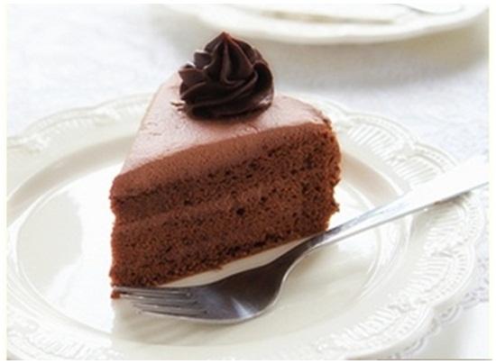 Cách làm bánh kem socola sinh nhật tại nhà cực ngon mà đơn giản hình 5