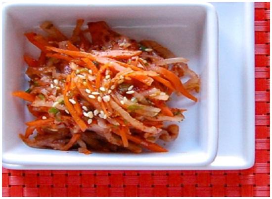 Cách làm kim chi cà rốt với củ cải Hàn Quốc ngay tại nhà hình 4